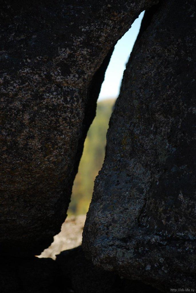На вершине скалы
