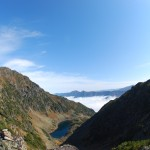 Вид на Порожистый и озеро с перевала